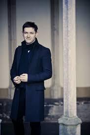 Iestyn Davies (Counter-tenor) - Short Biography