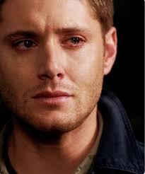 رجل يبكي اصعب الصور لبكاء رجل المميز