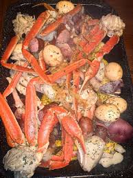 GARLIC BUTTER SEAFOOD BOIL - Razzle ...