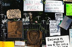 Protesters Have Turned White House Fence Into Memorial Insider