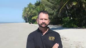 Peter Foster arrest: Flash homes, superyachts and cafes. How career con man  spent his time in FNQ | Gold Coast Bulletin