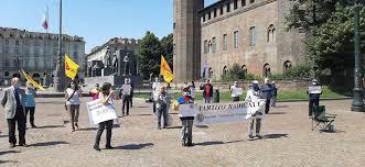 Torino scende in piazza in solidarietà dei cittadini di Hong Kong ...