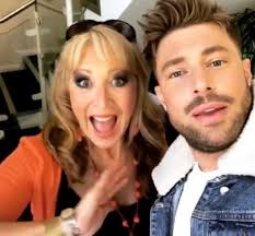Who is Duncan James from Blue's mum Fiona Inglis? - One News