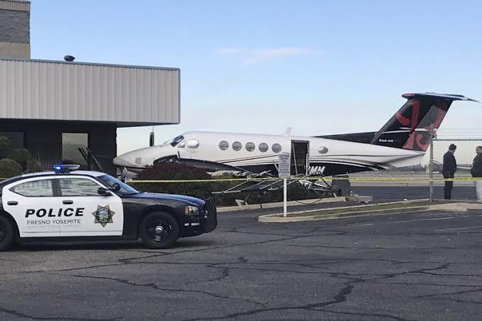 """17-year-old girl sneaks onto plane ile ilgili görsel sonucu"""""""