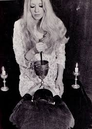 I wanted to be like Maxine Sanders, once upon a time.   Wiccan rituals,  Occult, Wiccan