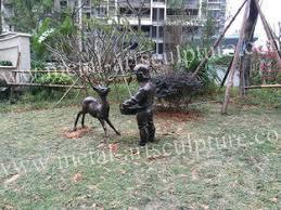 de tuin siert standbeelden china