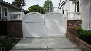 Driveway Makeover With Double Vinyl Gates And Wall Toppers Driveway Gate Diy Vinyl Gates Vinyl Fence