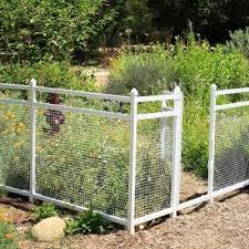 Love This Fence Around Garden Cheap And Easy From Home Depot Snapfence Modular Vinyl Snap Together Fenced Vegetable Garden Diy Garden Fence Easy Garden