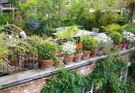21 crafty small garden ideas and