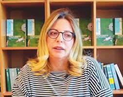 Ciabatti, troppo amata o troppo odiata: la scrittrice diventata un  personaggio - Il Fatto Quotidiano