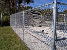 Green Plastic Fence Chain Link Fence Mesh Cyclone Wire Mesh