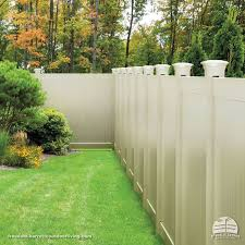 Vinyl Privacy Fence With Decorative Post Tops In Sand Color Low Maintenance Vinyl Freedom Fenci Vinyl Fence Panels Privacy Fence Designs Vinyl Privacy Fence