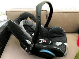 car seat and maxi cosi easyfix base