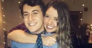 Man gives girlfriend's upset pal kind gift - but some say he has ulterior  motive - Mirror Online