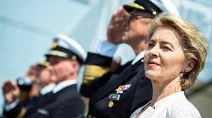 Fedelissima della Merkel, medico e madre di 7 figli: ecco chi è Ursula von  der Leyen