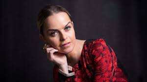 Taryn Manning's shocking 'Orange' scene brings out Pennsatucky's  vulnerability - Los Angeles Times