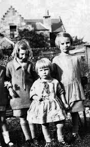 Peggy Gow, Connie Smith & Vera Smith 1926 | Aberlady Heritage | Flickr