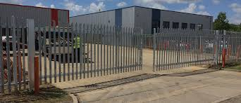 Peterborough Fencing Contractors Material Supplies Oakfield Uk