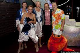 priscilla queen of the desert the musical - graham norton: theatre  photography from dan wooller