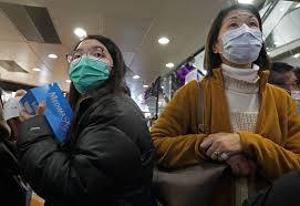 Coronavirus, mascherine esaurite in via Paolo Sarpi a Milano ...