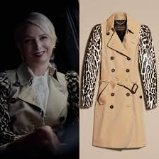 Ada Stone wears this leopard-sleeved cotton garbadine trench coat from  Burberry on Dynasty 2x03 | Fashion, Fashion inspo, Coat