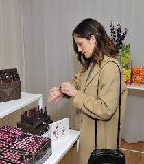 minka kelly tries makeup in new york
