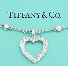 round cut diamond heart pendant