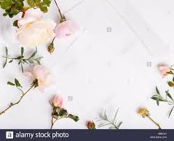 Carta Blanco Sobre Fondo Blanco Con Rosa Rosa Ingles Tarjetas De