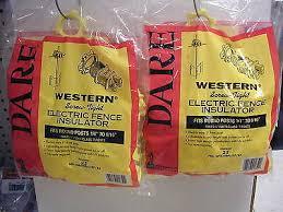 Lot Of 2 Dare Western Electric Fence Insulators Fiberglass Or Steel Posts 25pks Isp Paris