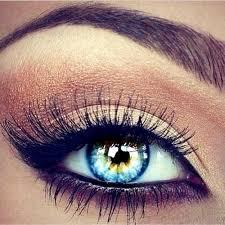 beautiful black eyeliner blue eyes