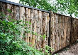 Rough Cedar Fence Don T Know Where I Would Put It But Love This Rustic Fence Cedar Fence Fence Design