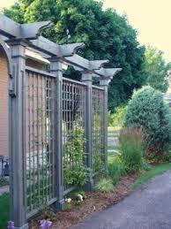 Driveway Privacy Trellis To Block The Boat And Other Eye Sores Backyard Backyard Pergola Garden Trellis
