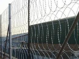 Flat Razor Wire Fence With Beeline Razor Barbed Wire For Defense
