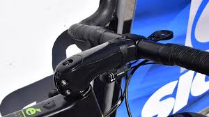 new aero road stem from enve spotted at