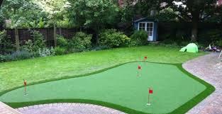 artificial golf putting green in