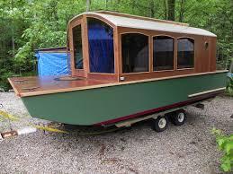 micro houseboat