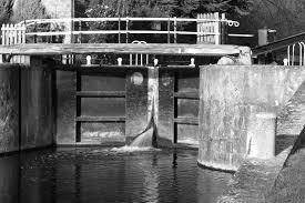 Lock at Dobbs Weir (B&W) | Lee Burlingham | Flickr
