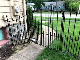 How To Install A No Dig Fence Lowes Grand Empire Xl Everyday Old House Dog Fence Diy Dog Fence Backyard Fences