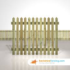 Pointed Picket Fence Panels 5ft X 6ft Natural Berkshire Fencing