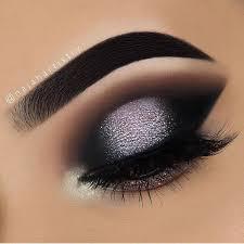 pin en eye makeup silver