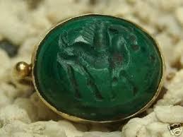 Ancient Gold Emerald Green Pegasus Intaglio Roman Ring | #28808897