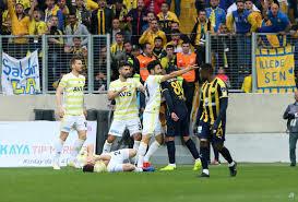 Ankaragücü - Fenerbahçe maçında saha karıştı! İşte görüntüler... - Sayfa 1  - Fenerbahçe - 26 Ekim 2020 Pazartesi