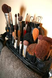 makeup brushes used by makeup artists
