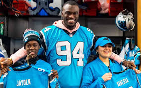 Stockwell refugee who became NFL player encourages local youngsters to  dream big – Brixton Blog