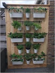 47 Hanging Shelves Herb Garden Ideas 27 Homydepot Com In 2020 Outdoor Herb Garden Hanging Herb Gardens Herb Garden Pallet