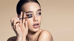 funny faces to make when doing makeup