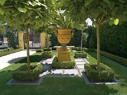 english garden designer brown