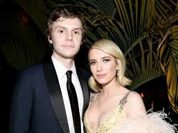 Emma Roberts and Evan Peters Have ...