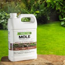 Amazon Com Liquid Fence 70167 Hg 70167 Mole Repellent Concentrate 1 Gallon 1 Gal Clear Garden Outdoor