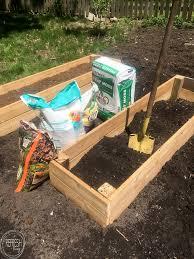 soil mixture for raised garden beds diy